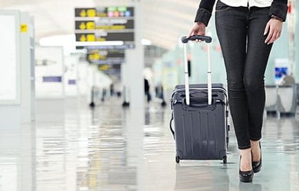 Easy Chic Airport Outfits to Keep You Looking Fabulous