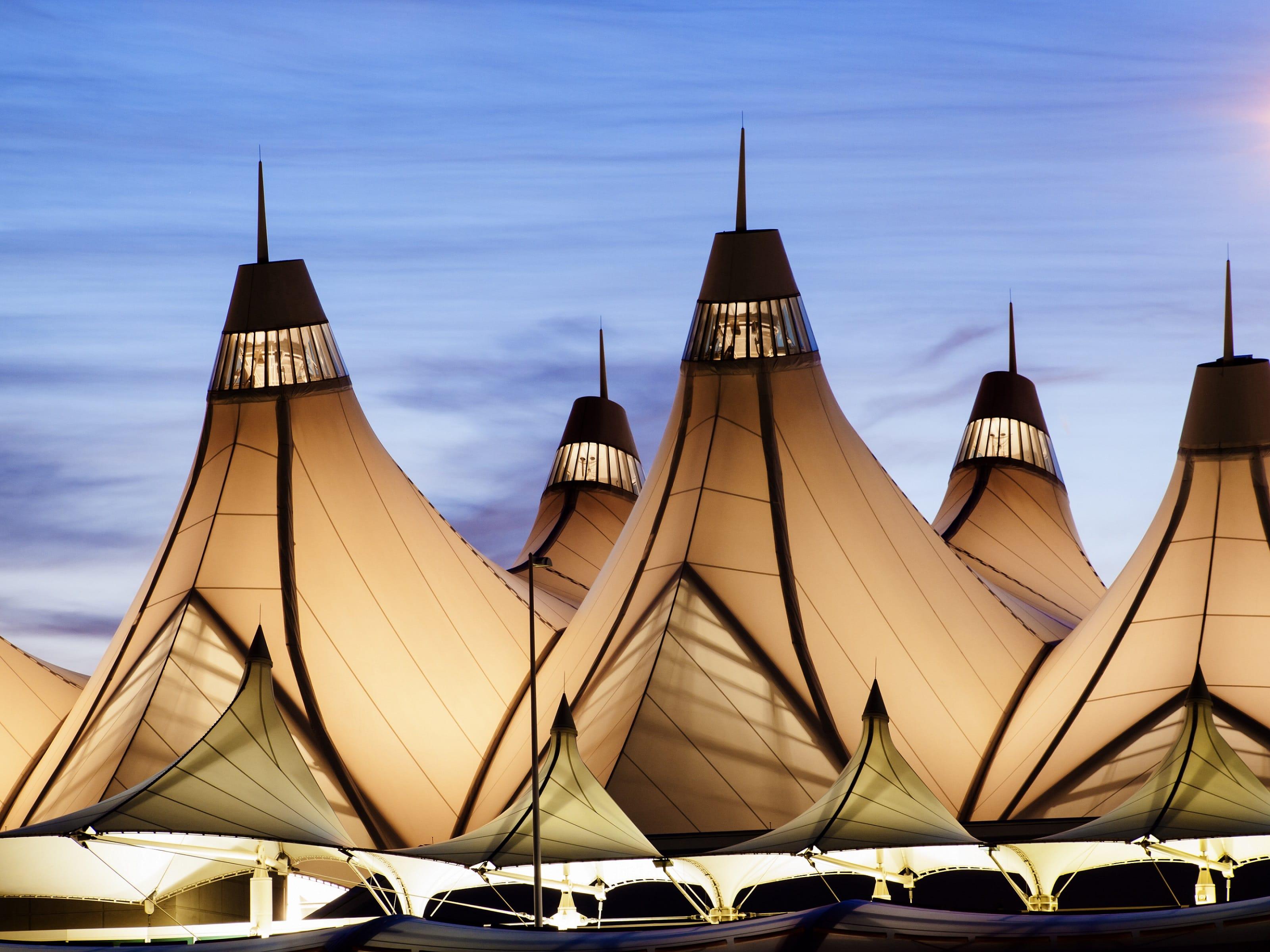w13-1-Denver Airport